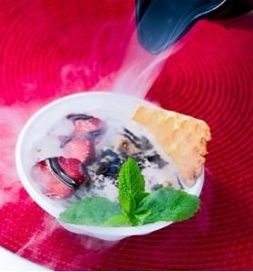 криогенное-мороженое-с-азотом-740x1148